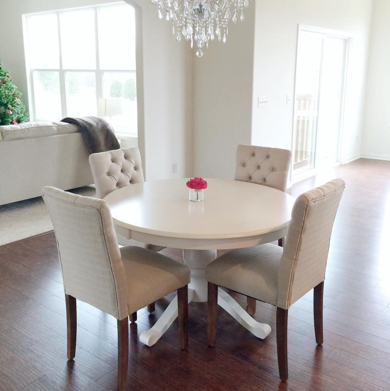 Stunning Small Dining Room Table Ideas14