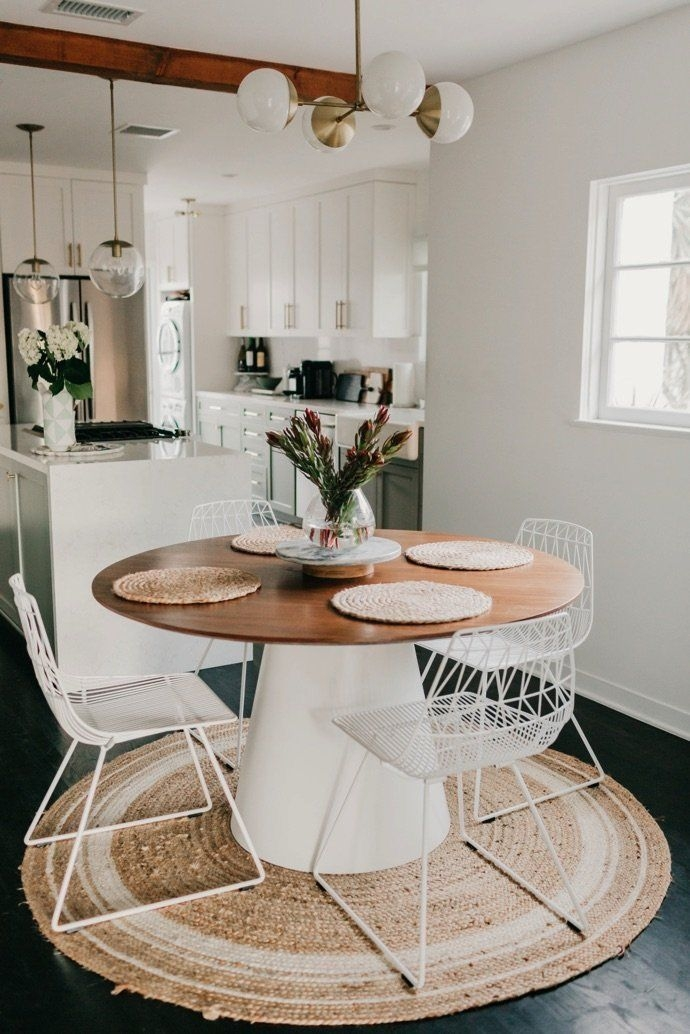 Stunning Small Dining Room Table Ideas27