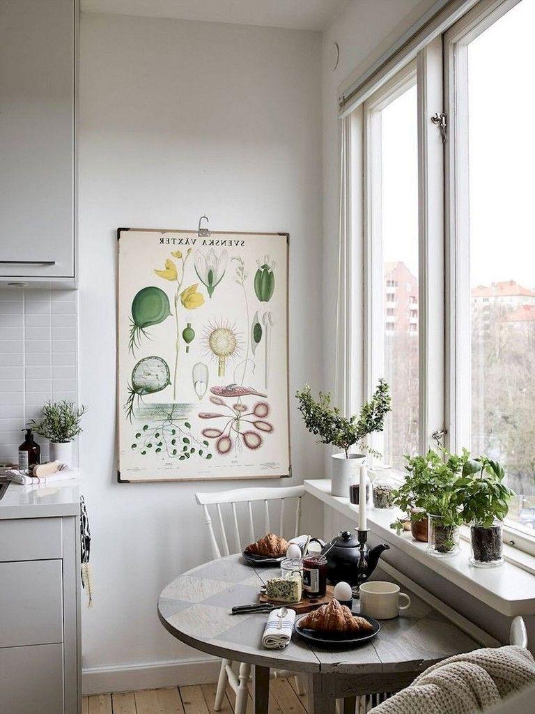 Stunning Small Dining Room Table Ideas30