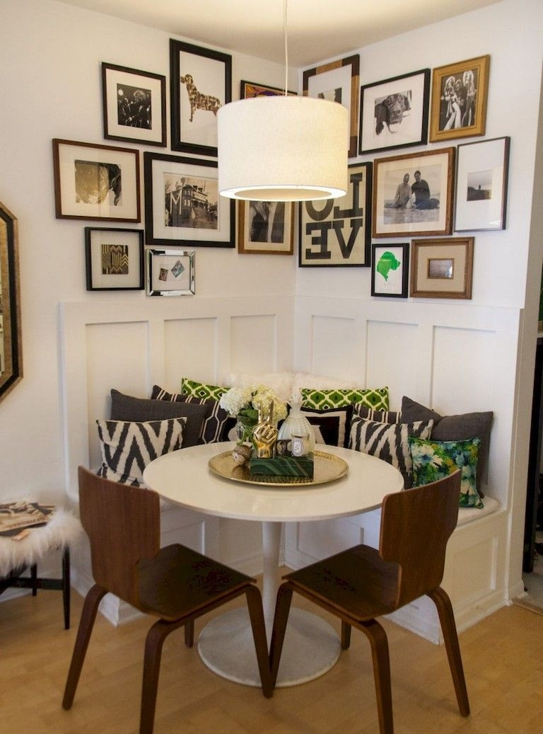 Stunning Small Dining Room Table Ideas31