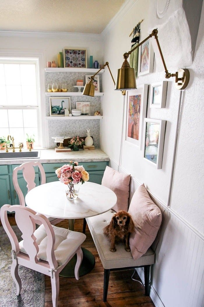 Stunning Small Dining Room Table Ideas40
