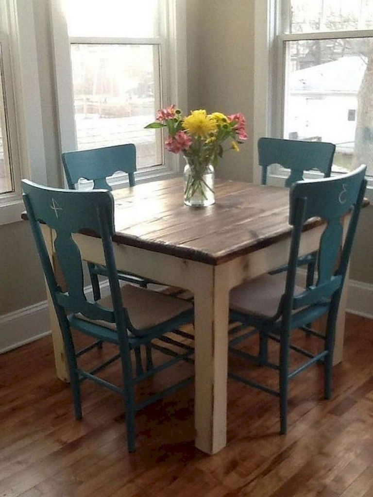 Stunning Small Dining Room Table Ideas42