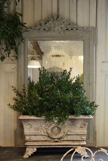 Wonderful French Country Dining Room Table Decor Ideas33
