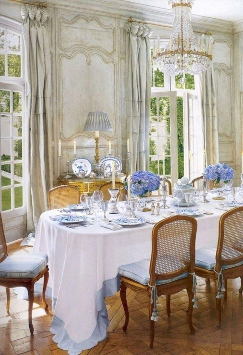 Wonderful French Country Dining Room Table Decor Ideas39
