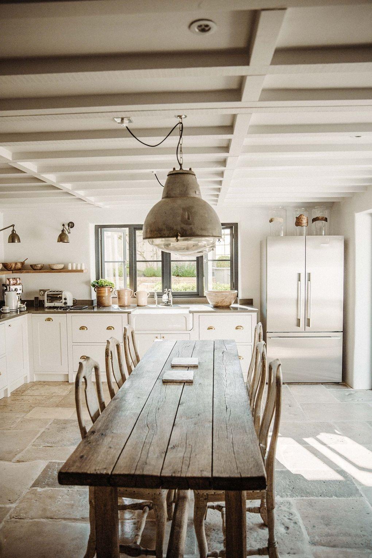 Captivating Dining Room Tables Design Ideas28