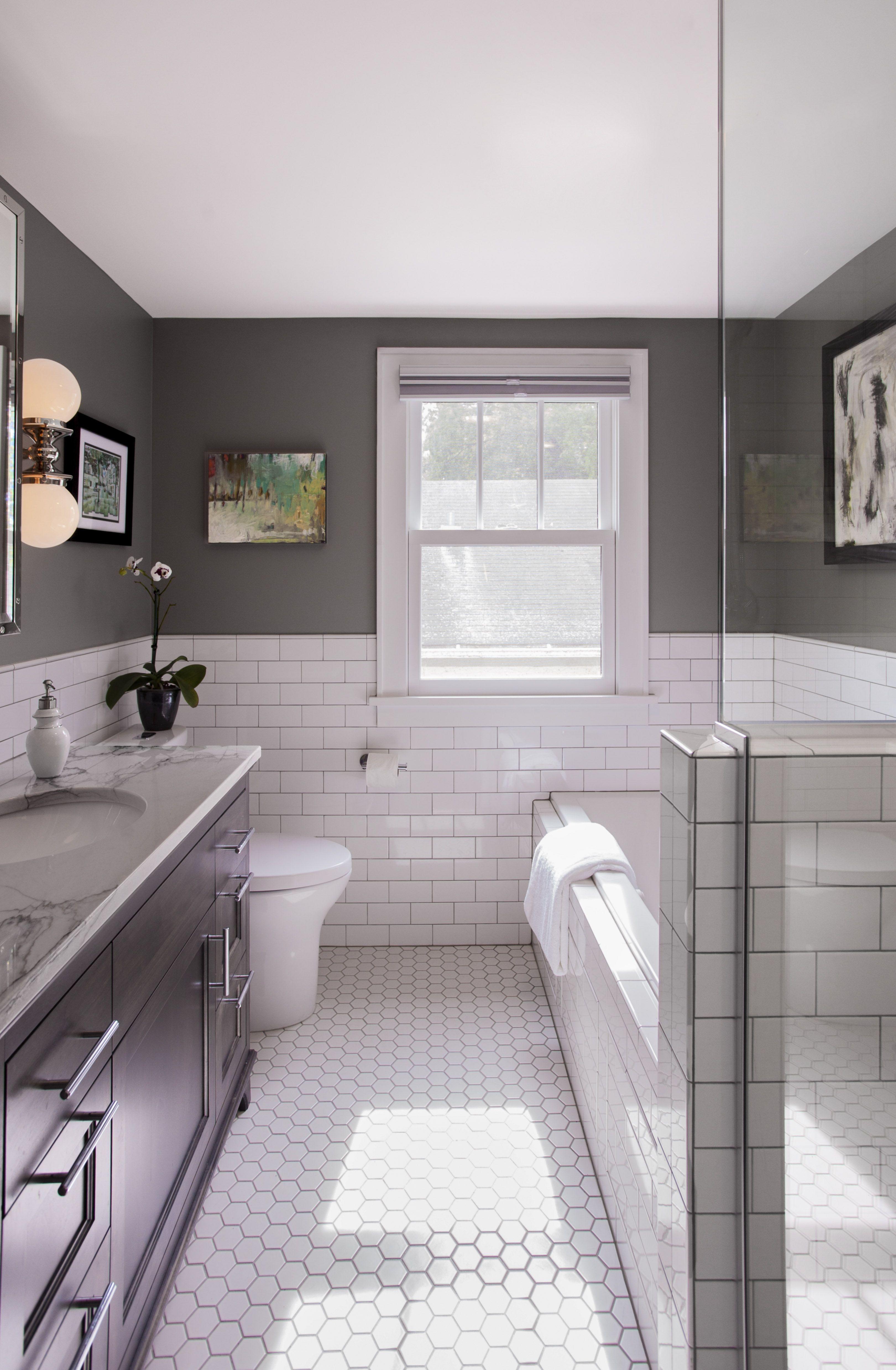 Fascinating Small Attic Bathroom Design Ideas10