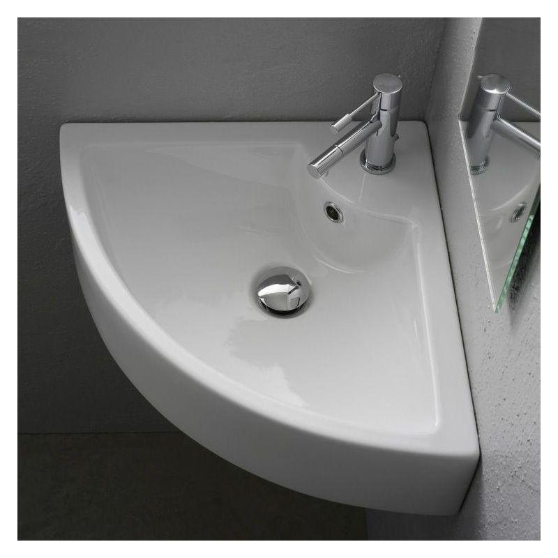 Fascinating Small Attic Bathroom Design Ideas46