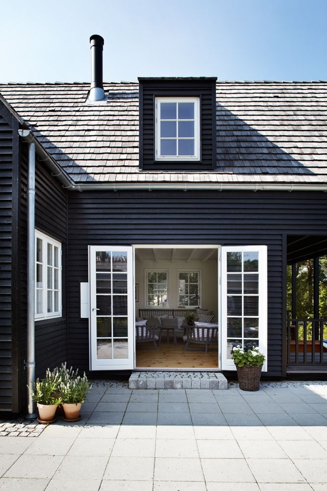 Perfect Painted Exterior Door Ideas25