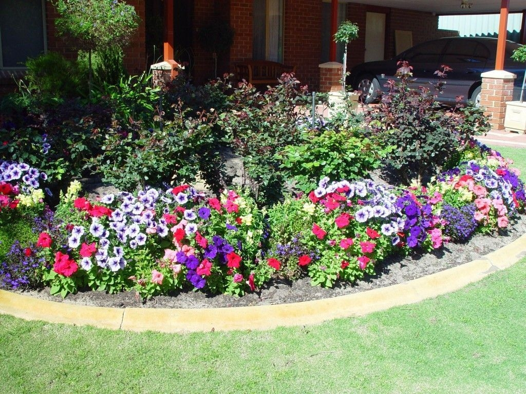 Simple Small Flower Gardens And Plants Ideas02