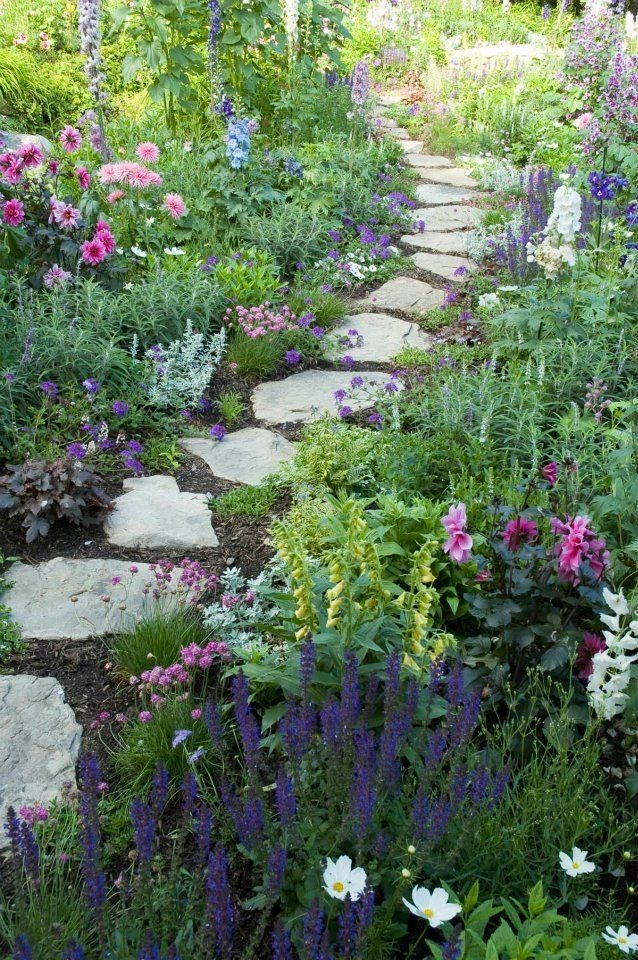 Simple Small Flower Gardens And Plants Ideas08