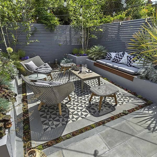 Awesome Small Garden Fence Ideas19