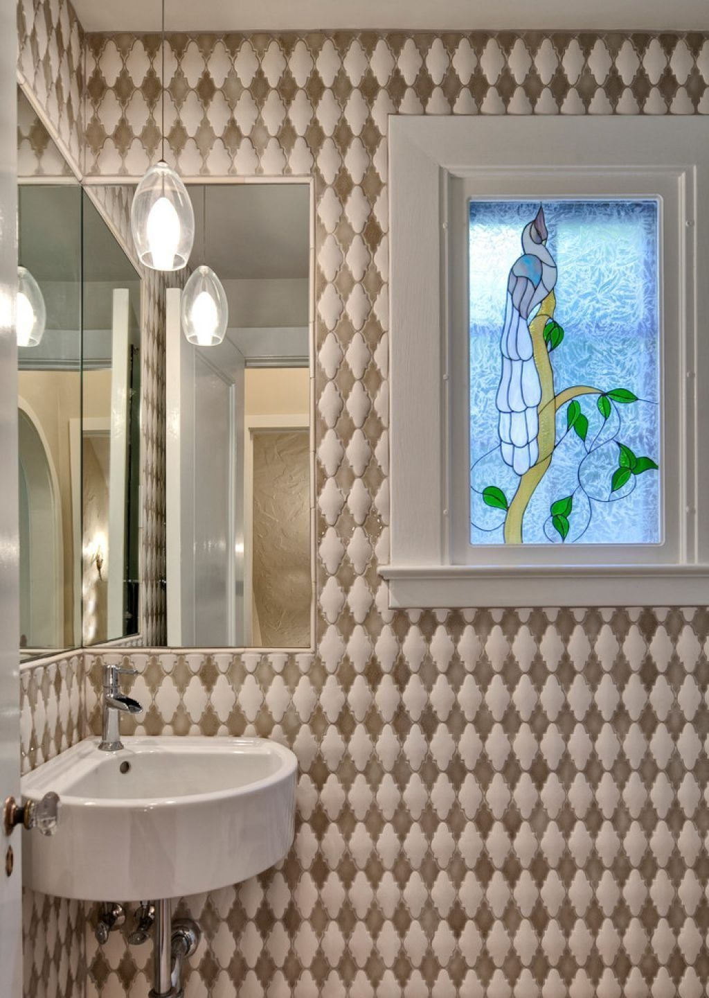 Outstanding Bathroom Makeovers Ideas For Small Space12