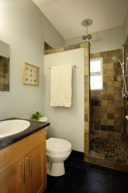 Outstanding Bathroom Makeovers Ideas For Small Space38
