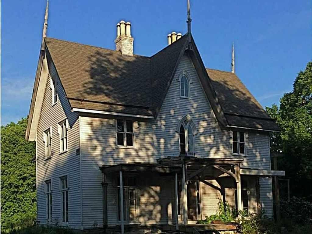 Pretty Gothic Revival Architecture Design Ideas For Home40
