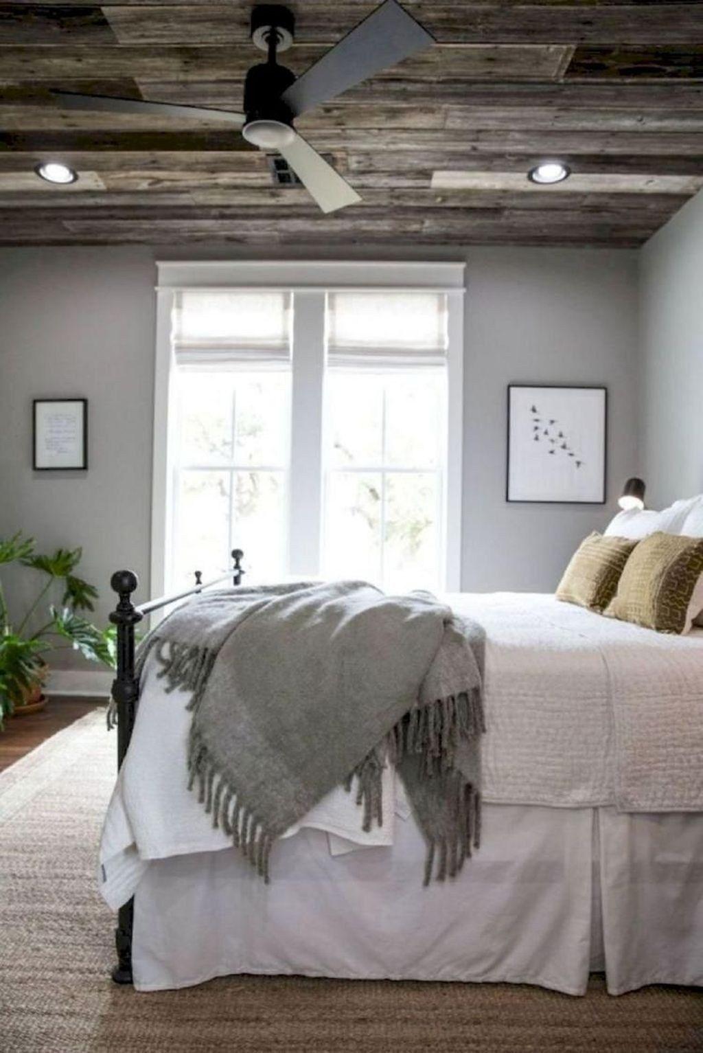 Smart Bedroom Decor Ideas With Farmhouse Style39
