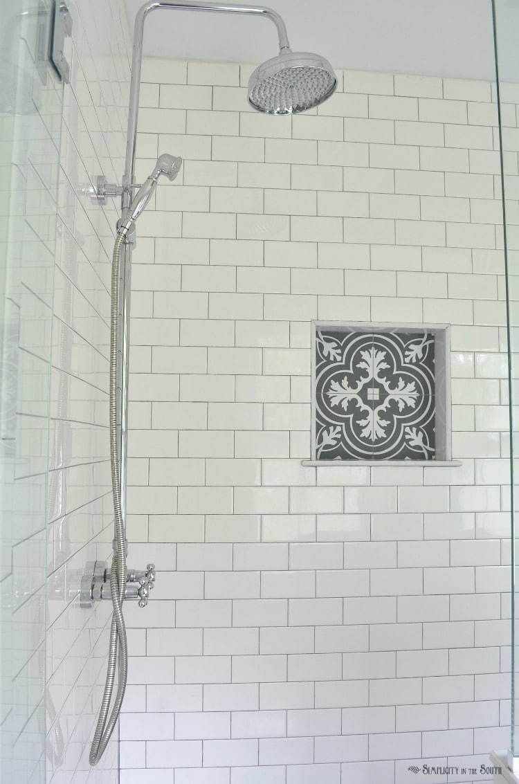 Wonderful Yellow And White Bathroom Ideas06