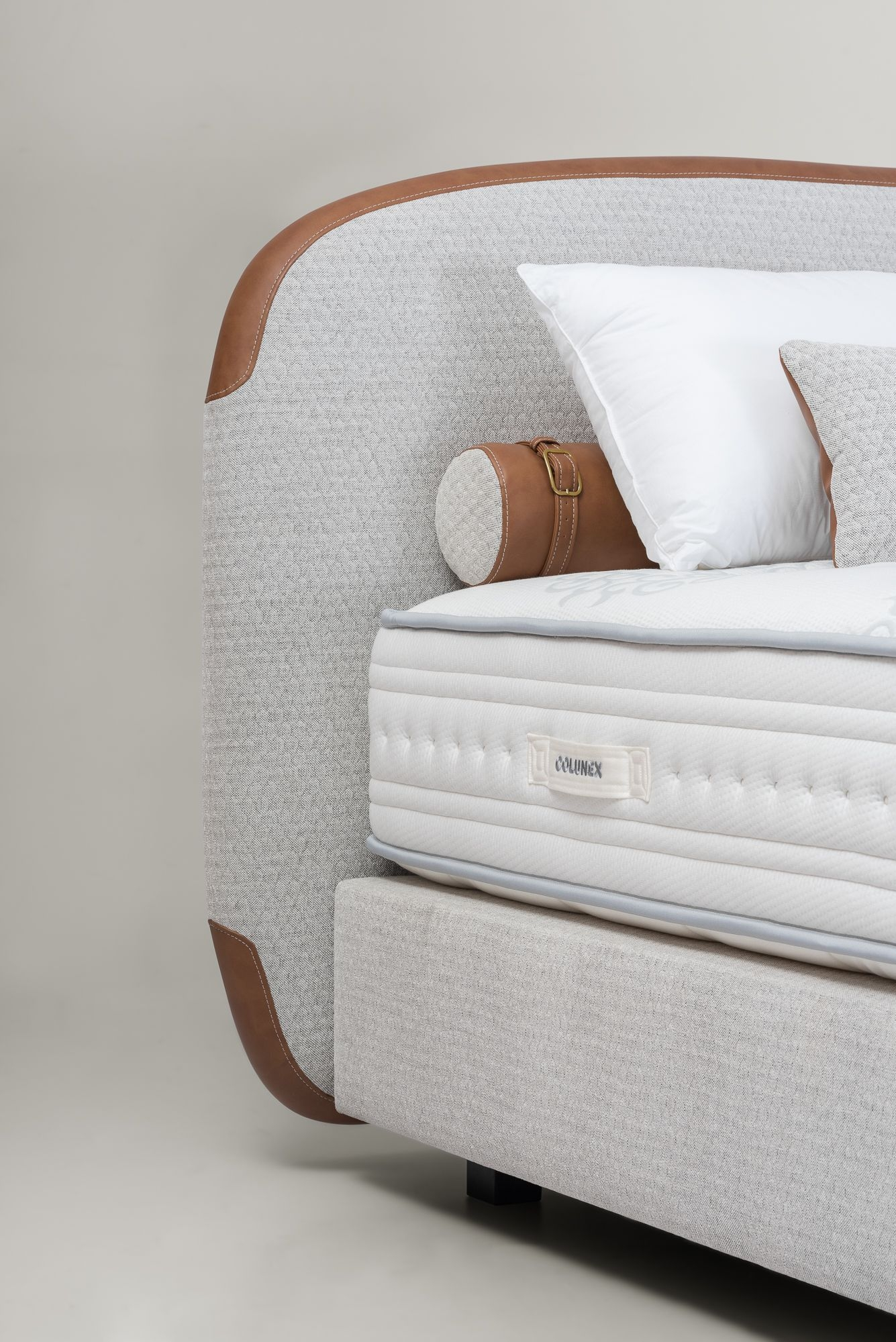 Amazing Headboard Design Ideas For Beds That Look Great19