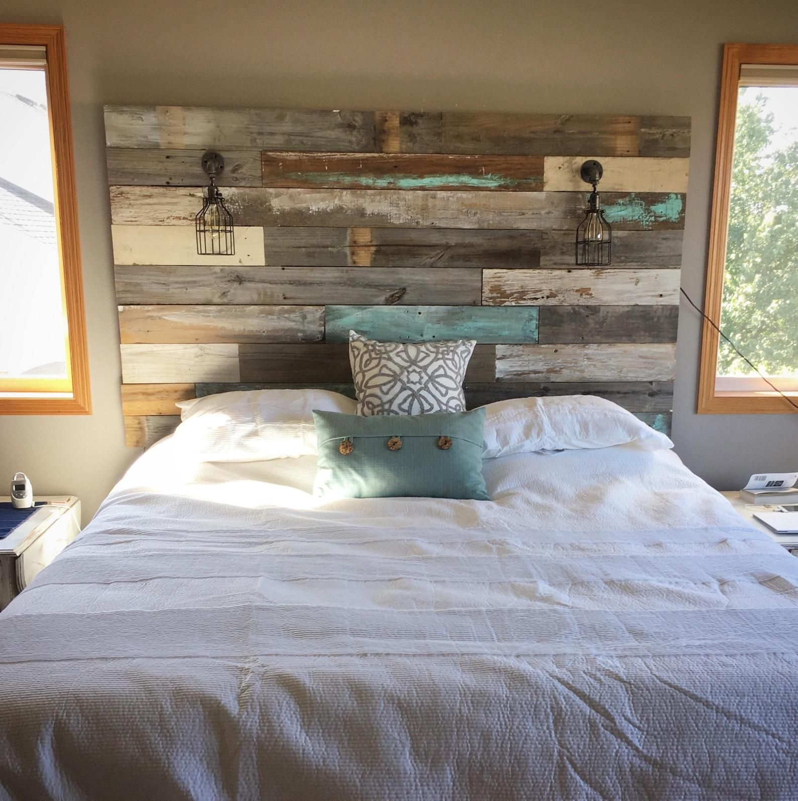 Amazing Headboard Design Ideas For Beds That Look Great32