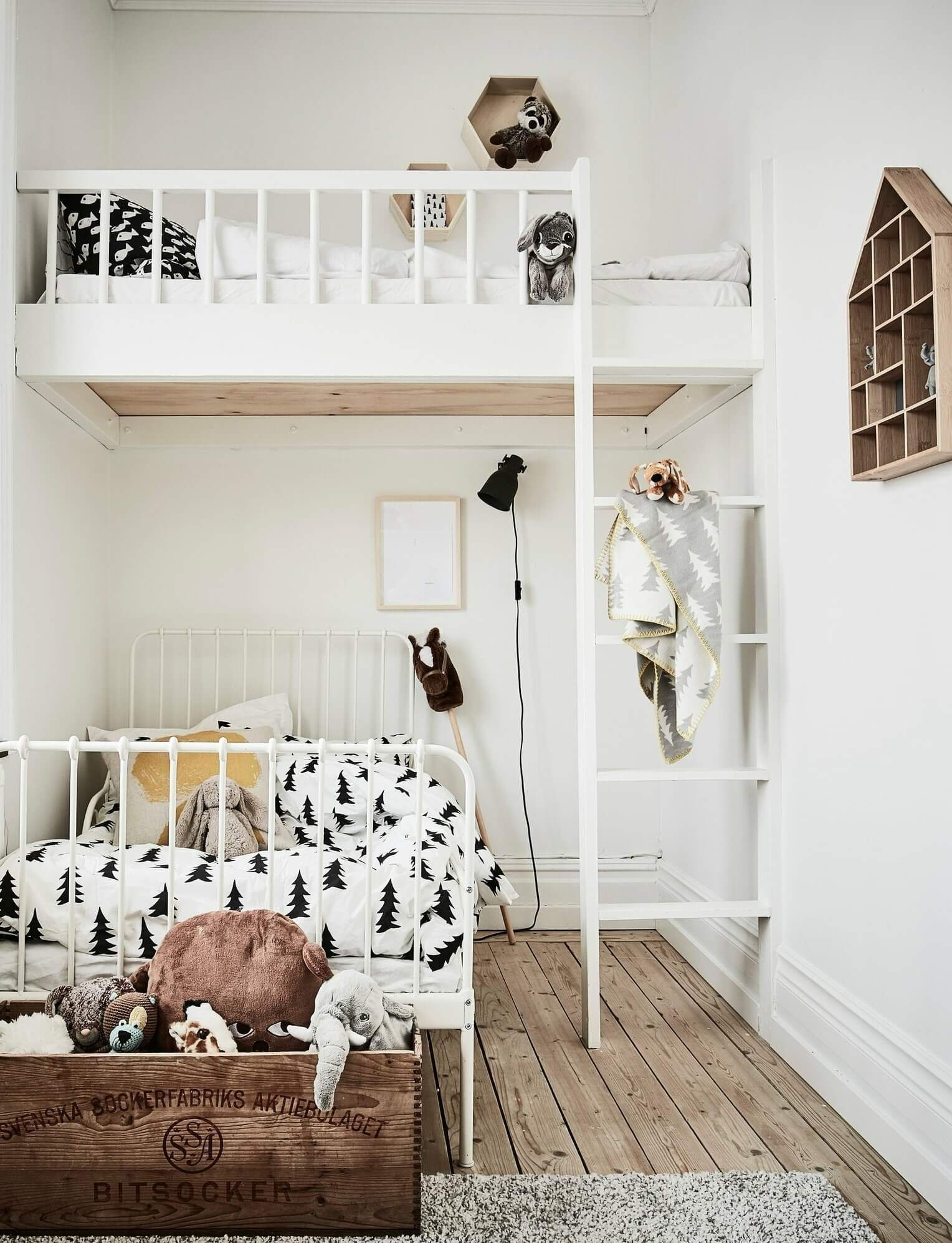 Charming Bedroom Designs Ideas That Will Inspire Your Kids35