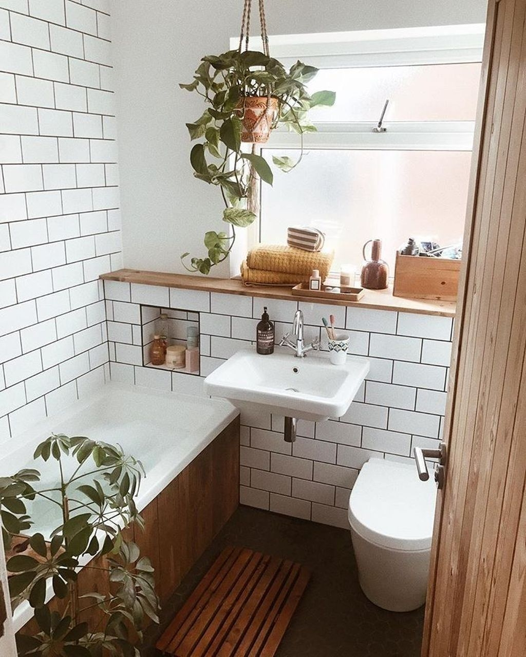 Cute Small Bathroom Decor Ideas On A Budget To Try40