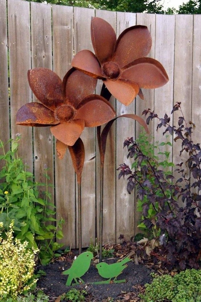 Inspiring Outdoor Metal Design Ideas For Garden Art You Must Try25