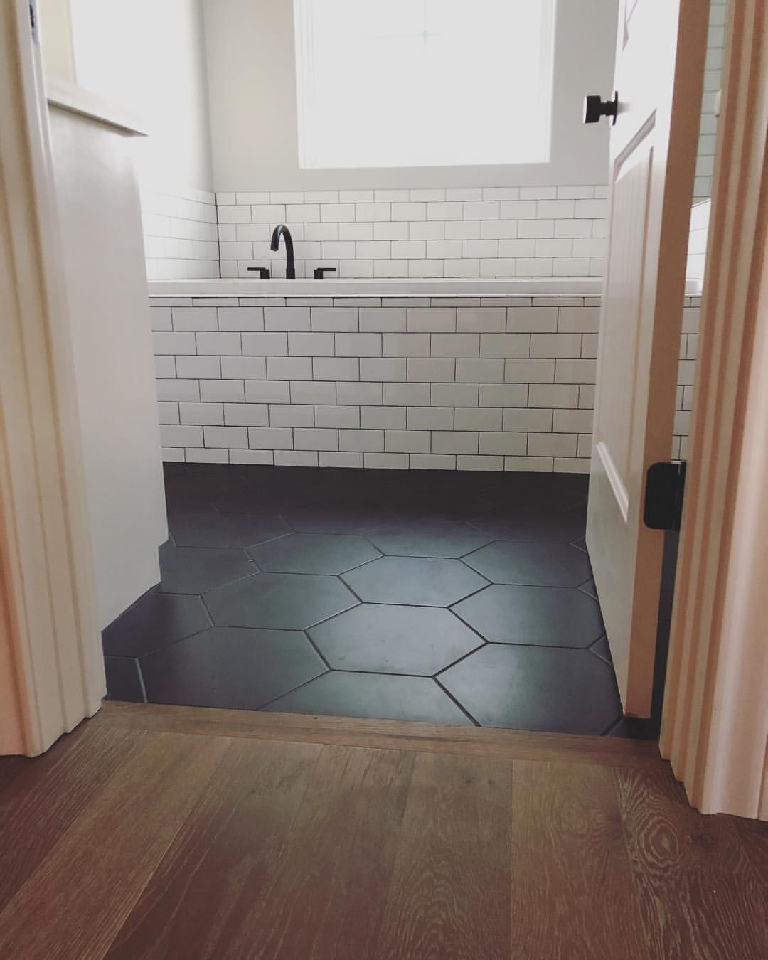 Marvelous Master Bathroom Ideas For Home20