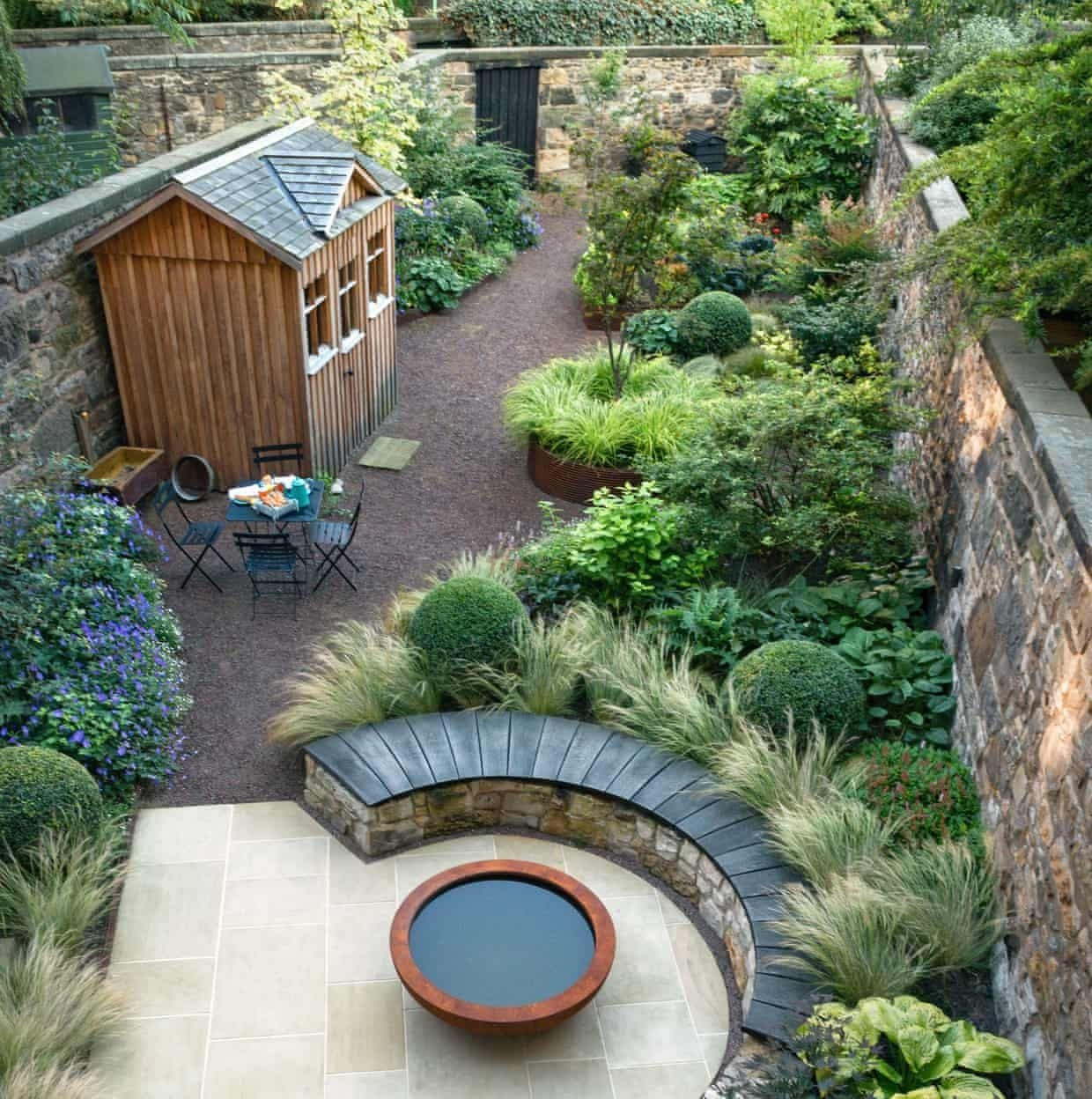Modern Small Garden Design Ideas That Is Still Beautiful To See14