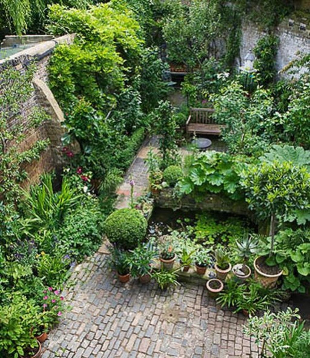 Modern Small Garden Design Ideas That Is Still Beautiful To See16