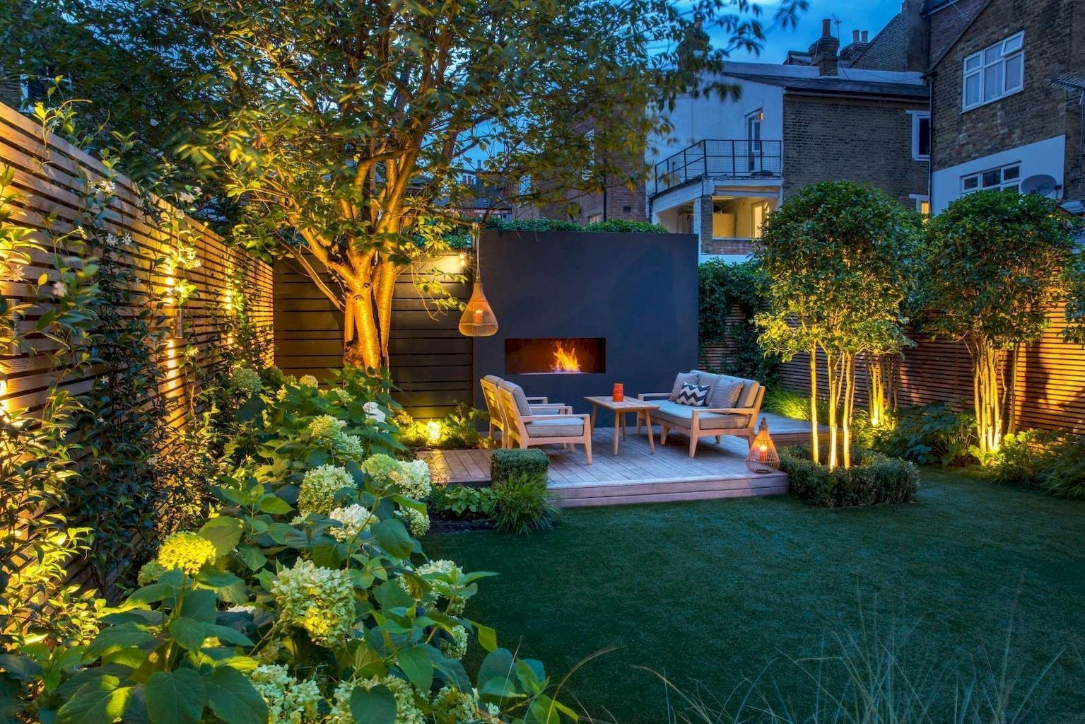 Modern Small Garden Design Ideas That Is Still Beautiful To See24