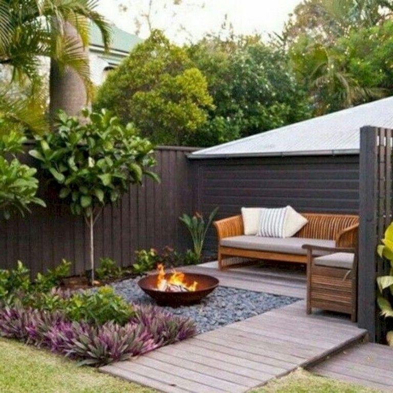 Modern Small Garden Design Ideas That Is Still Beautiful To See41