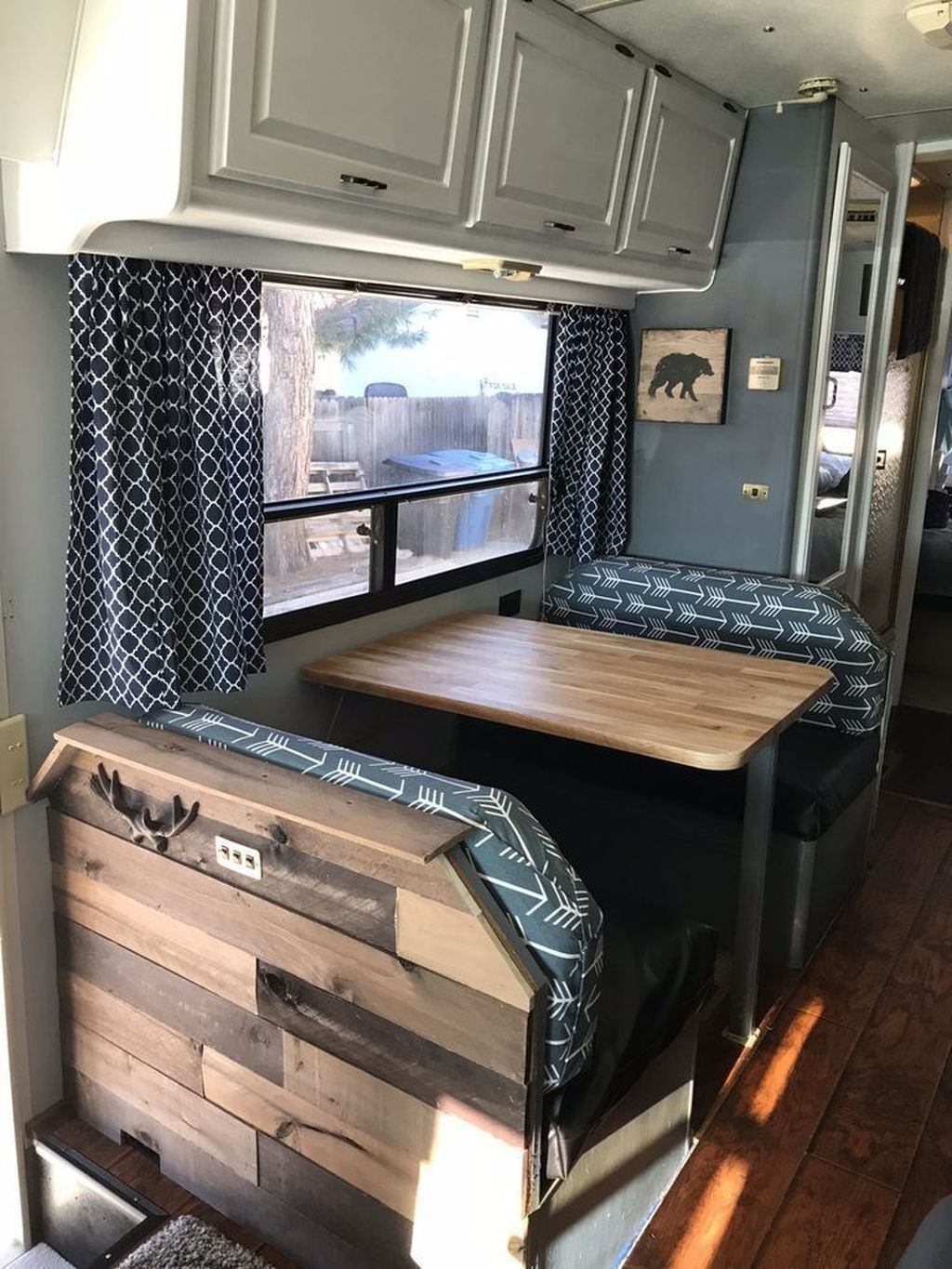 Awesome Rv Design Ideas That Looks Cool25