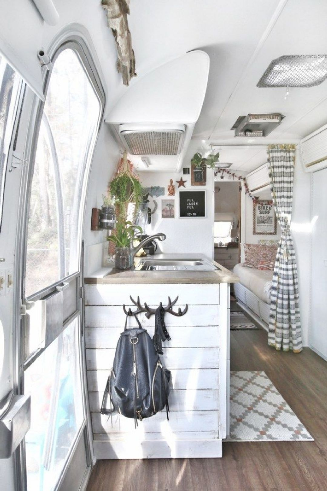 Awesome Rv Design Ideas That Looks Cool31