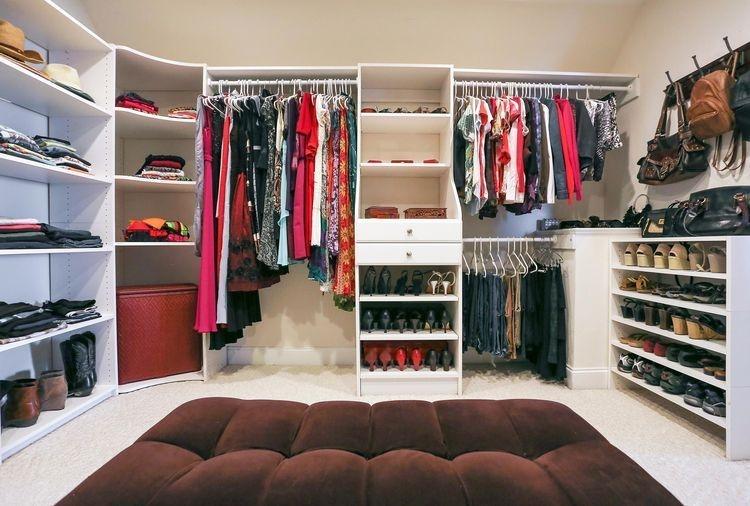 Best Minimalist Walk Closets Design Ideas For You31