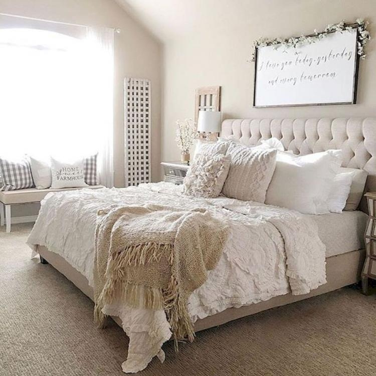 Magnificient Farmhouse Bedroom Decor Ideas To Try Now20