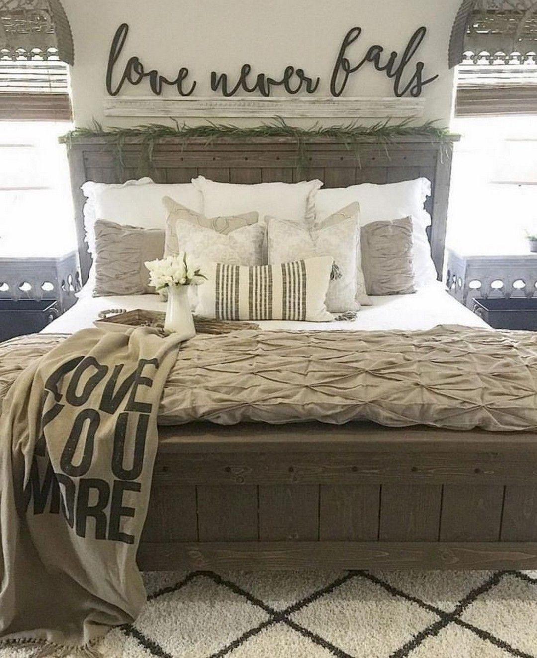 Magnificient Farmhouse Bedroom Decor Ideas To Try Now27