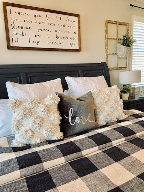 Magnificient Farmhouse Bedroom Decor Ideas To Try Now37