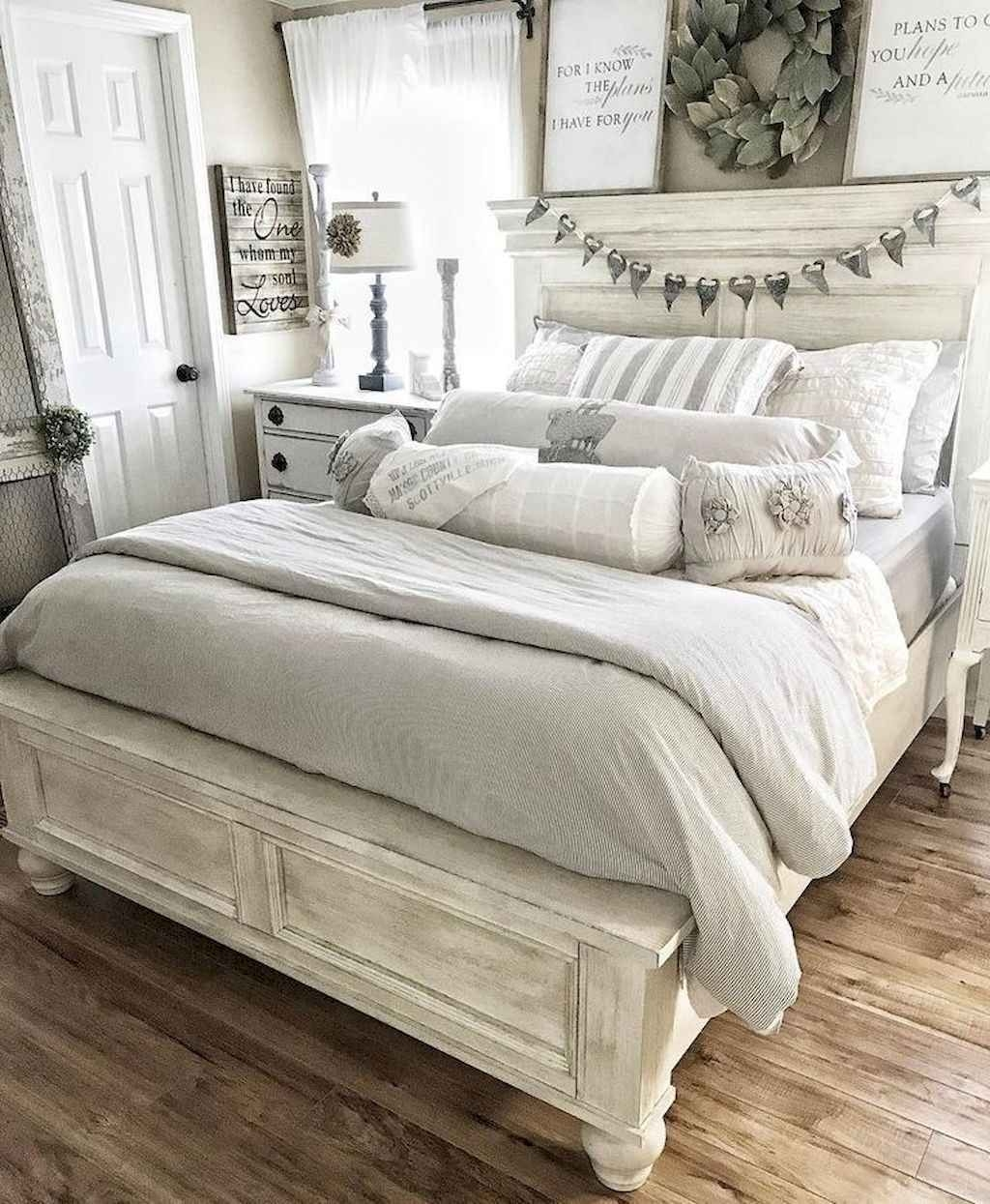 Magnificient Farmhouse Bedroom Decor Ideas To Try Now38