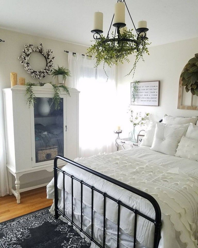 Magnificient Farmhouse Bedroom Decor Ideas To Try Now41