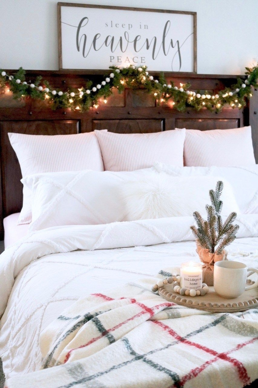 Magnificient Farmhouse Bedroom Decor Ideas To Try Now43
