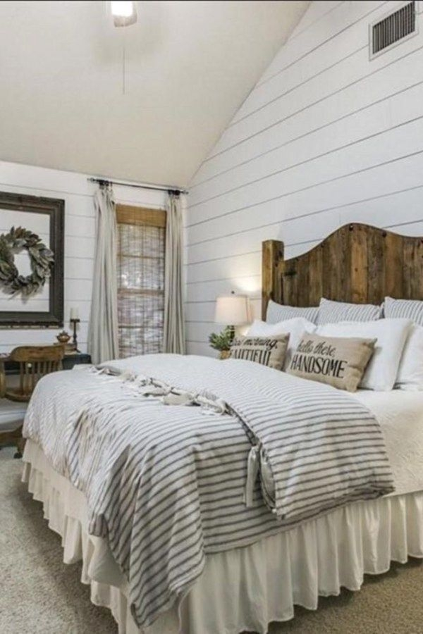 Magnificient Farmhouse Bedroom Decor Ideas To Try Now45