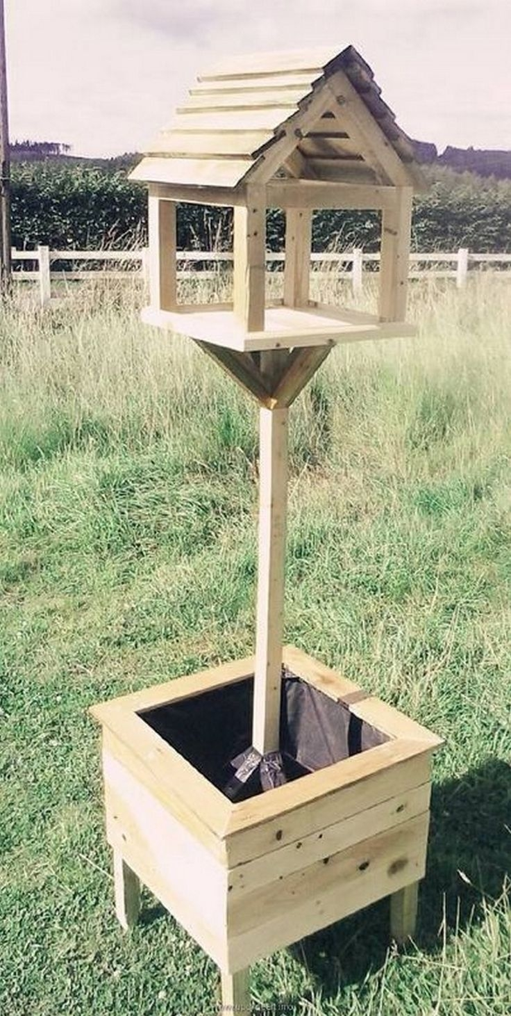 Magnificient Stand Bird House Ideas For Garden33