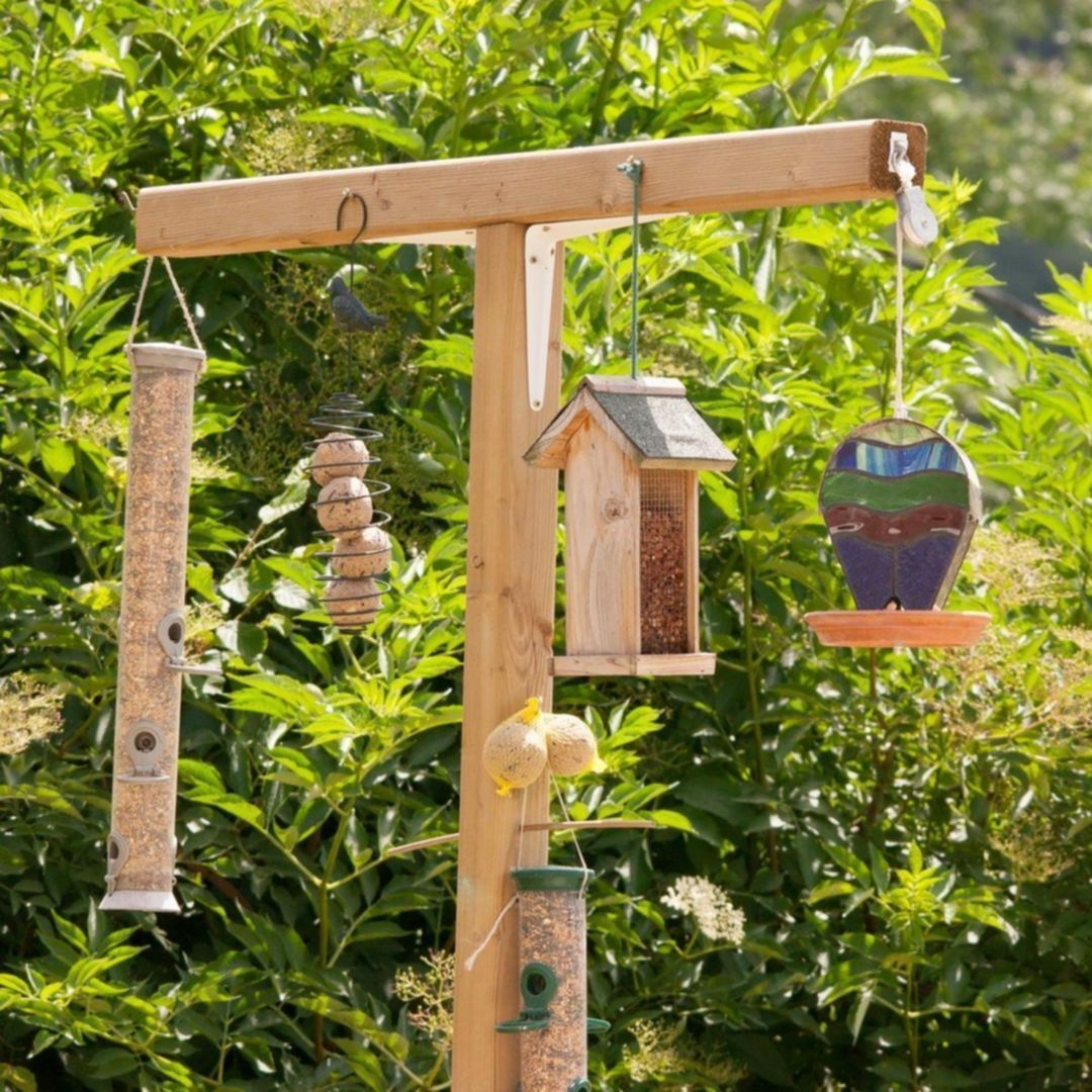 Magnificient Stand Bird House Ideas For Garden45