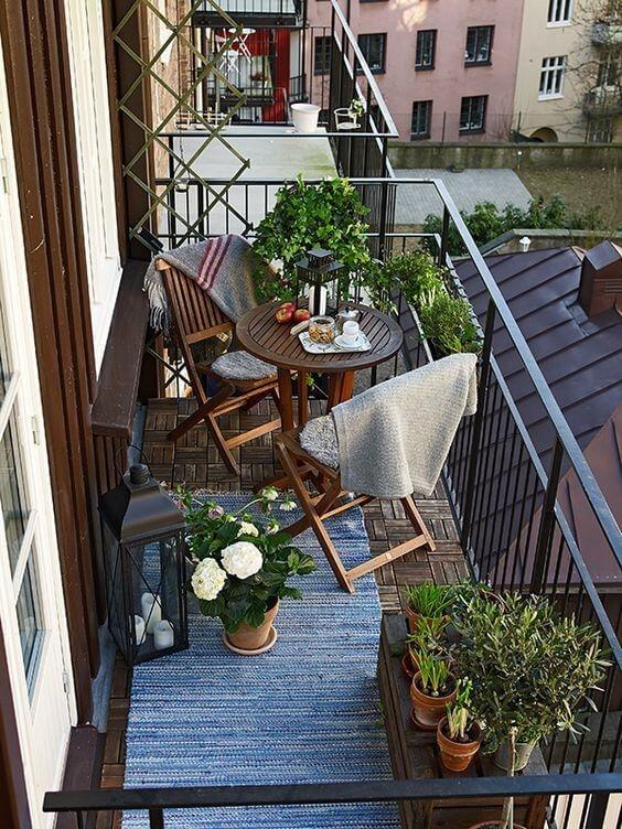 Popular Small Apartment Balcony Decor Ideas For You23