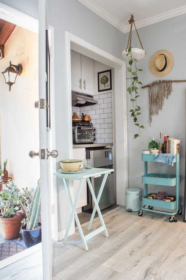 Splendid Studio Apartment Decorating Ideas That Looks Cool40